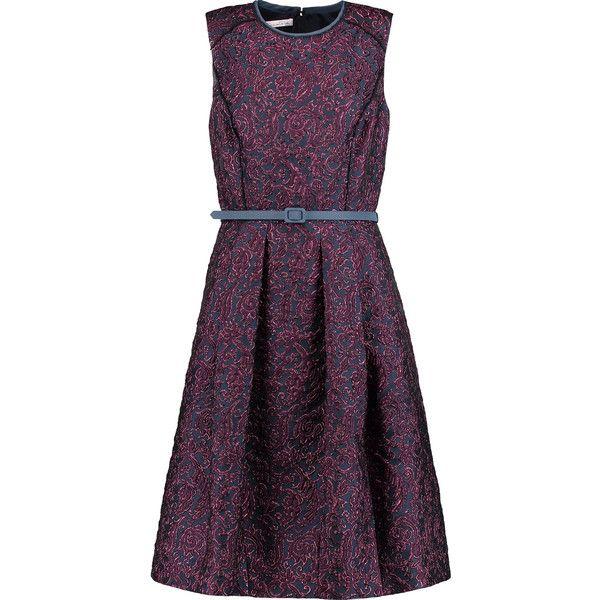 Oscar de la Renta Belted metallic brocade dress (67.840 RUB) ❤ liked on Polyvore featuring dresses, midnight blue, metallic pleated dress, loose fitting dresses, purple pleated dress, cut loose dresses and metallic dress