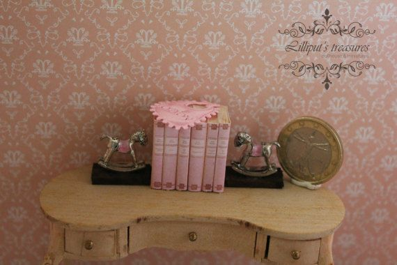Dollhouse miniature pink books and bookends by Lilliputstreasures