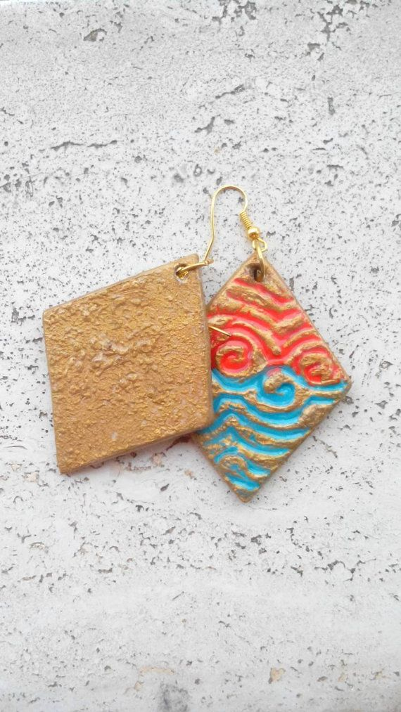 Orecchini di carta arancioni e azzurri, orecchini a rombo con disegno in rilievo, IDEA REGALO di gioiello di carta; cm. 6,5 geometrici by CeLesteCreazioni #italiasmartteam #etsy
