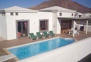 Villa på Playa Blanca med 2 sovrum för 6 personerSemesterhus i Playa Blanca från @homeaway! #vacation #rental #travel #homeaway