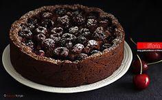 Torta alle ciliegie morbida al cioccolato