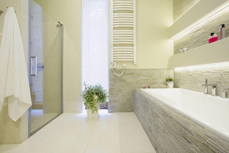 Gak Sulit Kok Punya Kamar Mandi Mewah | 01/03/2016 | Memiliki kamar mandi terkesan mewah, tidak sulit kok. Kuncinya cuma satu; bersih.Ya, kebersihan memang yang paling utama. Selanjutnya, kamu tinggalmenata tampilannya supaya lebih menarik.Untuk itu, kamu ... http://propertidata.com/berita/gak-sulit-kok-punya-kamar-mandi-mewah/ #properti #rumah #banjir