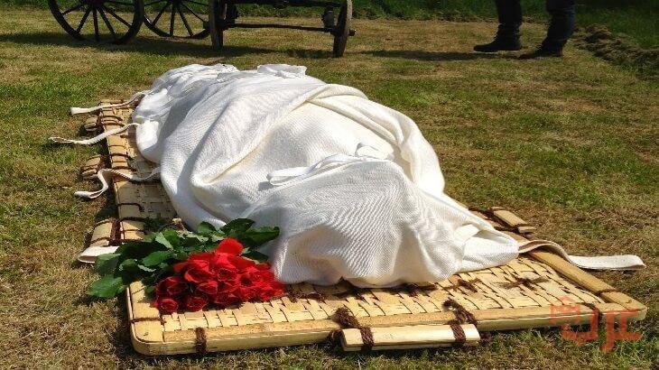 رؤية جثة مكفنة بالابيض في المنام White Bodies Laundry Clothes Body