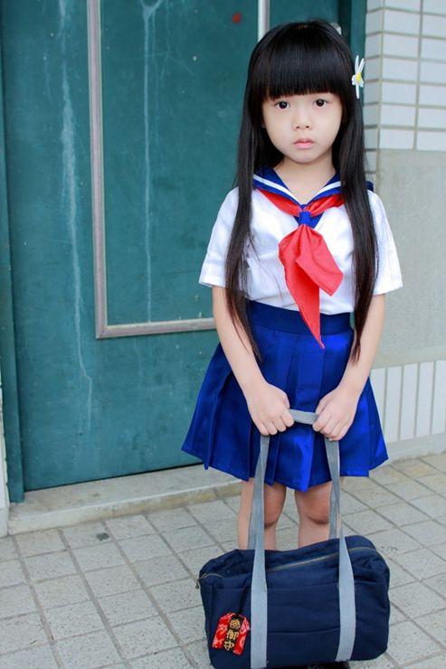 Tiny japanese girl fucked