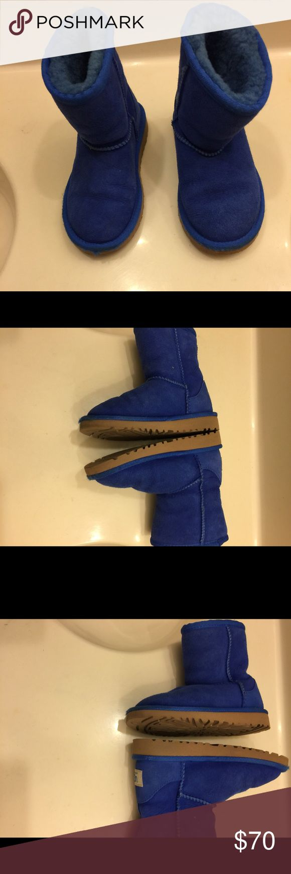 Authentic  Kids UGG in Royal Blue. Authentic Kids Ugg Australia Boots in excellent preowned condition.  Upper genuine sheep skin and leather; lining sheep Skin. Size:10  Color:Royal Blue UGG Shoes Boots