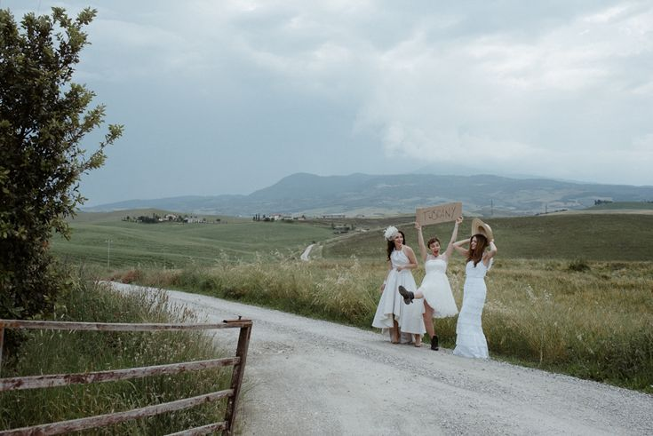#tuscanywithlove, a wedding theme editorial inspired by 3 italian fashion blogger who imagined their ideal Tuscan wedding.
