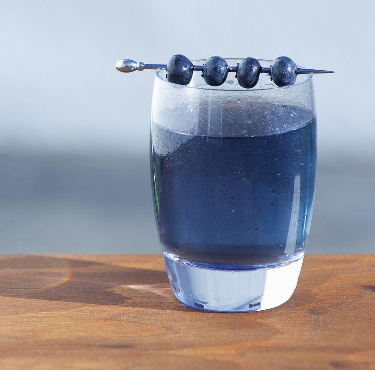 Midnight Blue Margarita | via drink of the week, this looks so good!!