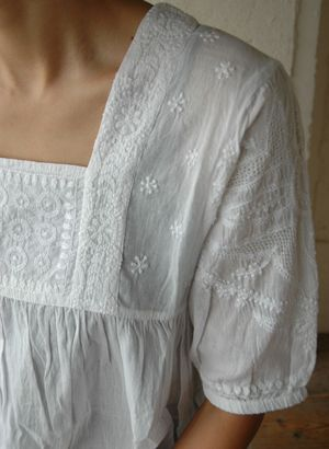 TRUCK|TRUCK-ZAKKA - Indian embroidery tunic detail