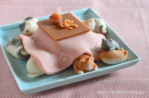 猫こたつの練りきり   Homemade Cat's Nerikiri-Kotatsu(Japanese traditional leg heater) : お茶の時間にしましょうか-キャロ&ローラのちいさなまいにち- Caroline & Laura's tea break