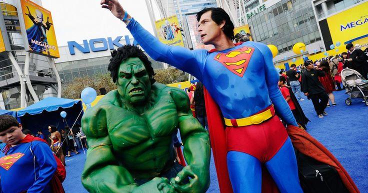 Tipos de super-heróis. Desde 1930, os quadrinhos foram preenchidos com contos de personagens fantasiados lutando contra o crime e protegendo a humanidade. Existem super-heróis de todas as formas e tamanhos, mas há certas características que permitem classificá-los em certos grupos-chave.