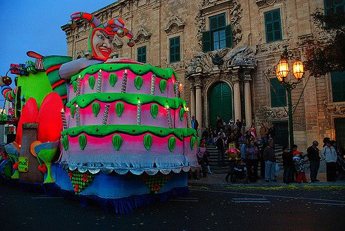 "https://flic.kr/p/4wf4dJ | Valletta's Carnival - Malta | A phosphorescent carnival float in front off  ""Auberge de Castille"" (Office of the Prime Minister of Malta)"