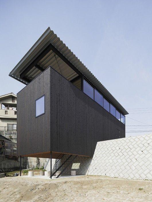 © Kenji Masunaga Architects: Hidetaka Nakahara Architects, Yoshio Ohno Architects Location: Hiroshima, Hiroshima, Japan Site Area: 341.42sqm Area: 93.0