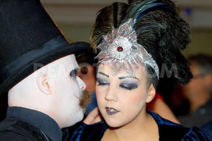 """The inauguration of the new season of the famous Burlesque Micca Club of Rome, was a party transgressive and nostalgic style """"Belle Epoque"""" for people of all ages."""