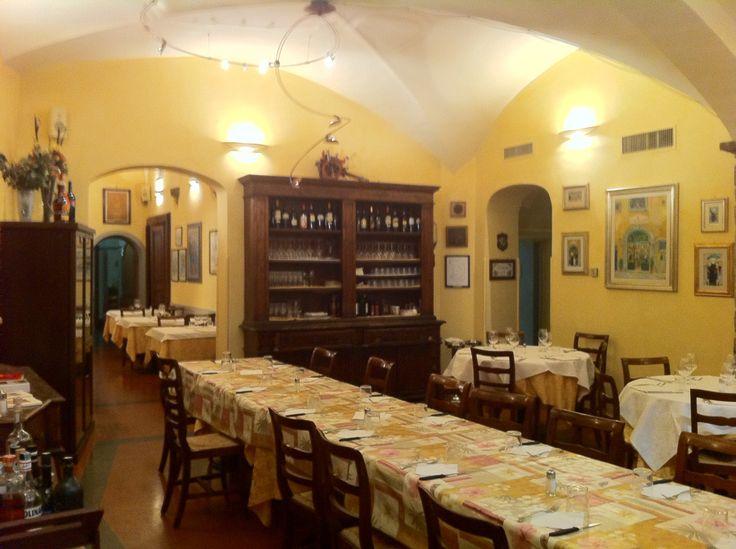 A restaurant full of history located between the Arno river and the main station of Santa Maria Novella.