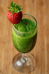 Two cups of baby spinach  One whole banana  One whole pear  1/2 cup of strawberries, blueberries, or raspberries  Two cups of purified or filtered water