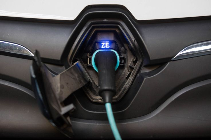 The U.K. will have more charging locations for electric cars than gasoline stations in 2020, according to Nissan Motor Co. Ltd.