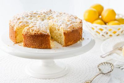 Lemon Crumble Breakfast Cake - a moist, tender cake topped with a sweet crumble topping. Serve it for breakfast, brunch, afternoon tea or dessert!
