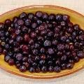 Huckleberry Jam Recipe--one of my favorite wild foods from the coast of norther California!  YUM!