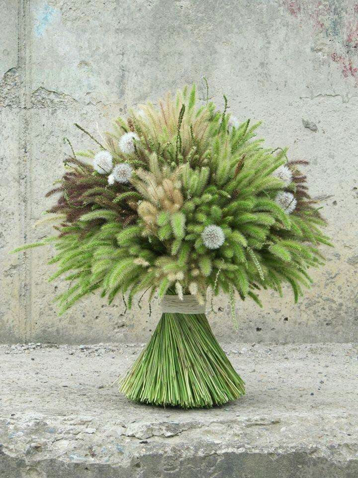 MEN'S VOWS: A sheaf of wheat! What an elegant and organic arrangement.