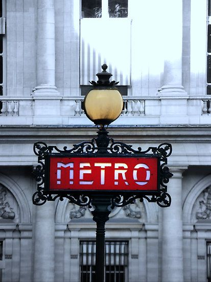 A great Metro sign in Paris