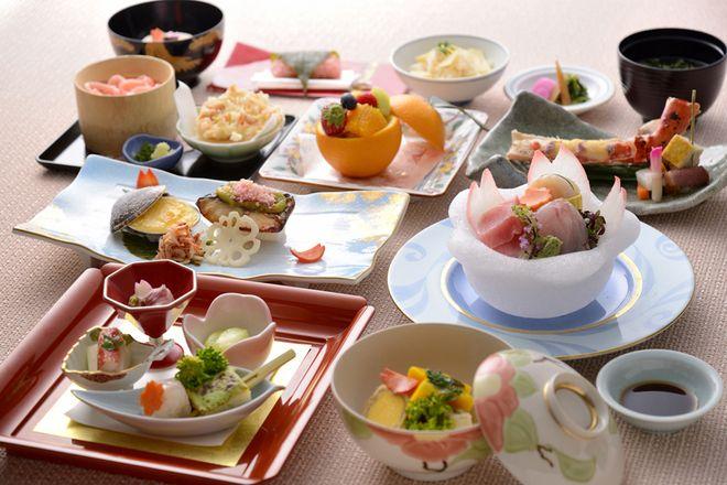 レストランプラン 春の彩りを添えて 夜桜会席   東京のホテルならホテル椿山荘東京。