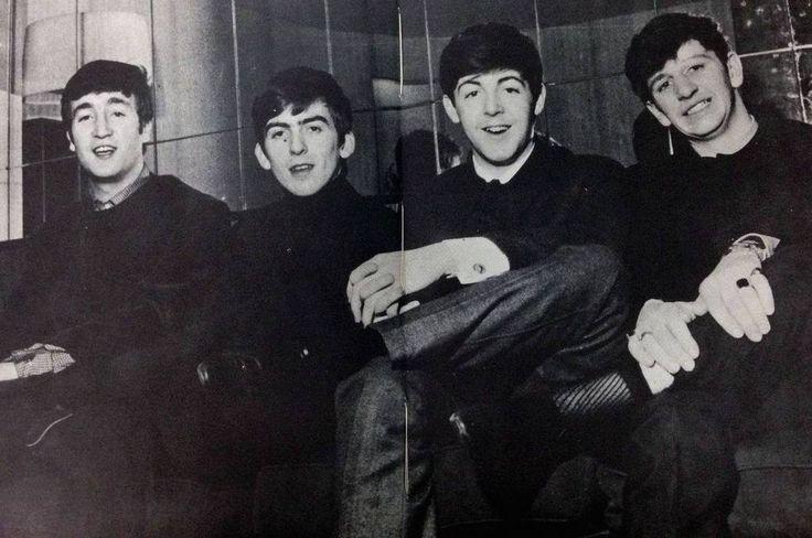 A décima apresentação dos Beatles na BBC, a segunda transmissão ao vivo deles, também marcou a primeira vez que eles apareceram no programa Saturday Club, apresentado por Brian Matthews (1928-), co…