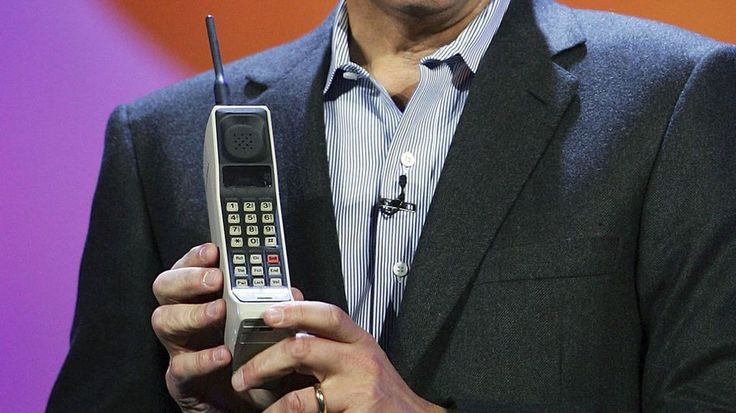 The First Cellphone Went on Sale 30 Years Ago for $4, 000 #cell #phone #camera http://mobile.remmont.com/the-first-cellphone-went-on-sale-30-years-ago-for-4-000-cell-phone-camera/  Mashable The First Cellphone Went on Sale 30 Years Ago for $4,000 Motorola Inc. Chairman and CEO Ed Zander jokingly introduces the 1980s-era Motorola DynaTAC 8000, the first commercially available hand-held mobile phone, during his keynote address at the Venetian during the 2007 International Consumer Electronics…
