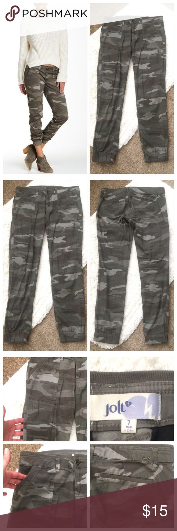 """🌼Jolt Camouflage Jogger Jeggings🌼 🌼Jolt Camouflage Jogger Jeggings🌼 Junior size 7 which is a small. Belt hoop and functional pockets as shown in picture. These have a nice stretch and are very soft. Measurements are; waist laying flat 16"""", inseam 29"""" and front rise 9"""". In great condition! All my items are from a smoke free environment. Jolt Pants Track Pants & Joggers"""