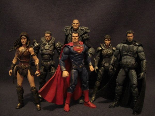 Custom Made BATMAN V SUPERMAN Action Figures  on  GeekTyrant