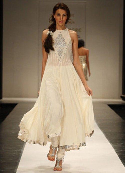 Beautiful—cream colored designer Anarkali suit❣ Salwar Kameez
