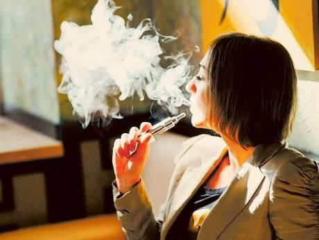 E-cigarettes 'increase the risk of flu and pneumonia'