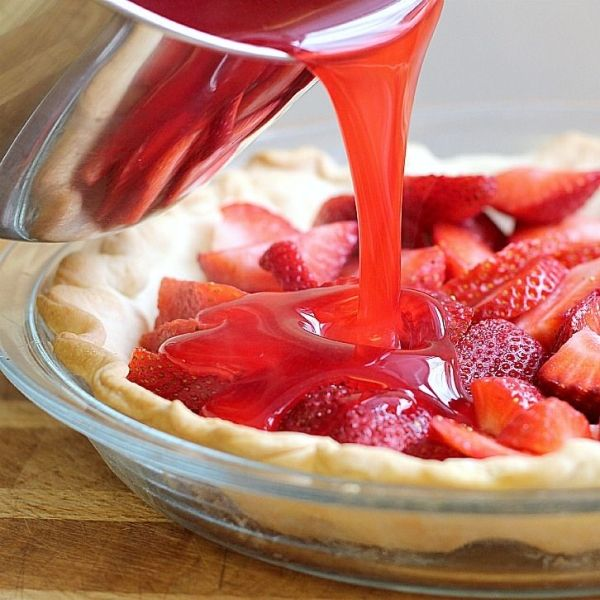 Strawberry Pie Recipe ~ this is like Shoney's Strawberry pie.... if you are from the south you are familiar with this...best pie EVER by Mudgey