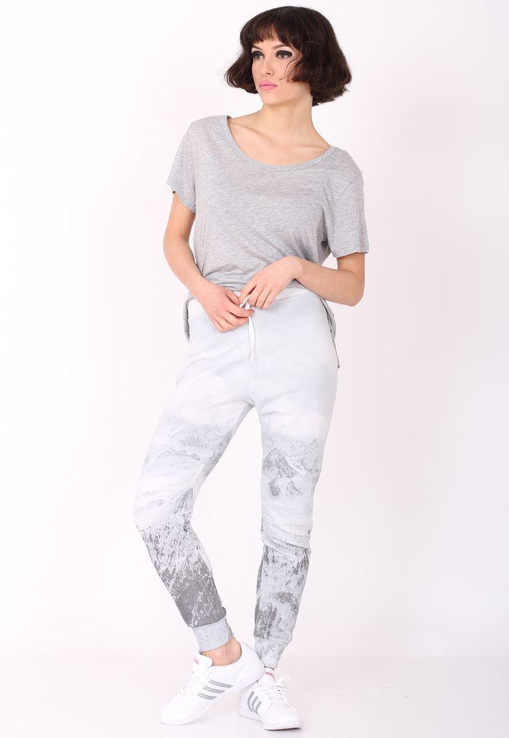 Pantaloni sport Pull and Bear Ophta Light Grey - doar 49,90 lei. Cumpara acum!