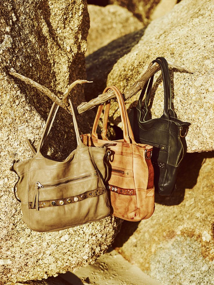 Discover authentic materials, hidden symbols and pure craftsmanship behind the NOOSA-Amsterdam shopper.