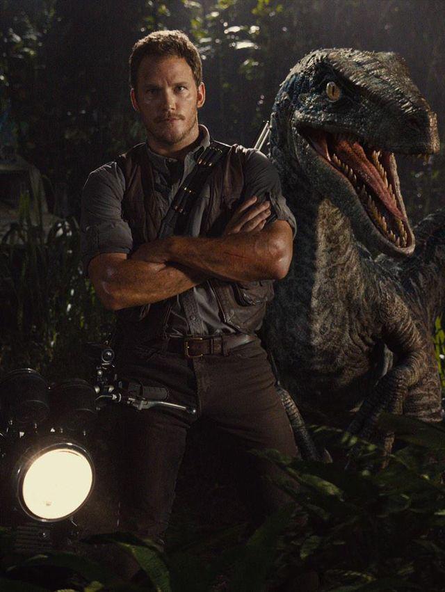 Jurassic World New Image - Chris Pratt and...