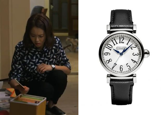 "Go Ara in ""You're All Surrounded"" Episode 19.  Coach Madison Fashion Strap Watch #Kdrama #YoureAllSurrounded #너희들은포위됐다 #GoAra #고아라"