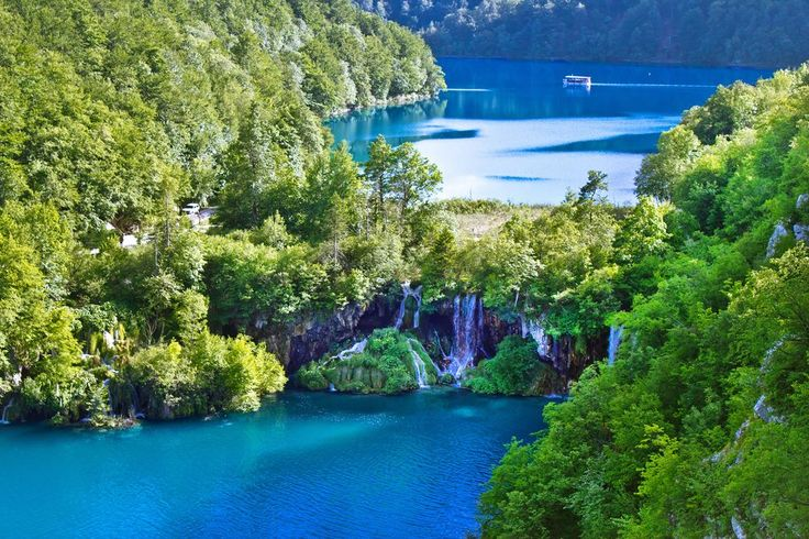 There's no such place on Earth as this green and blue paradise of 16 lakes connected with waterfalls - #Plitvice lakes National Park.
