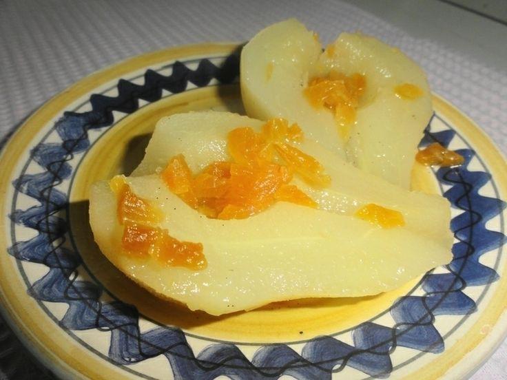 Pere cotte al miele e vaniglia con frutta secca