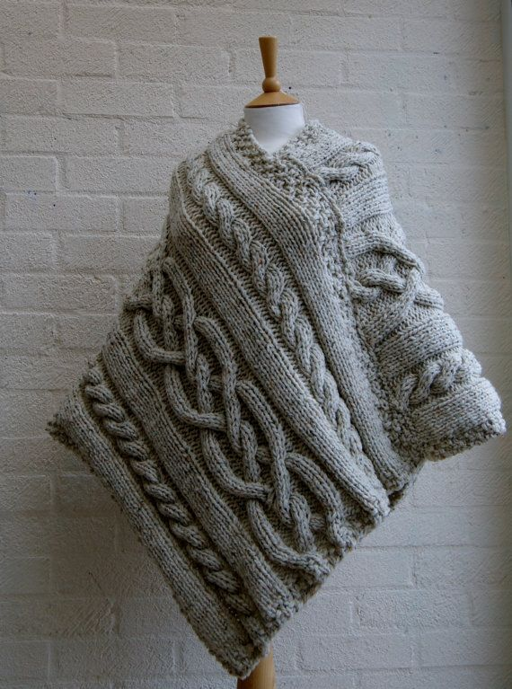 Chunky knit Merino wool Poncho in Oatmeal/ Women by StripesnCables