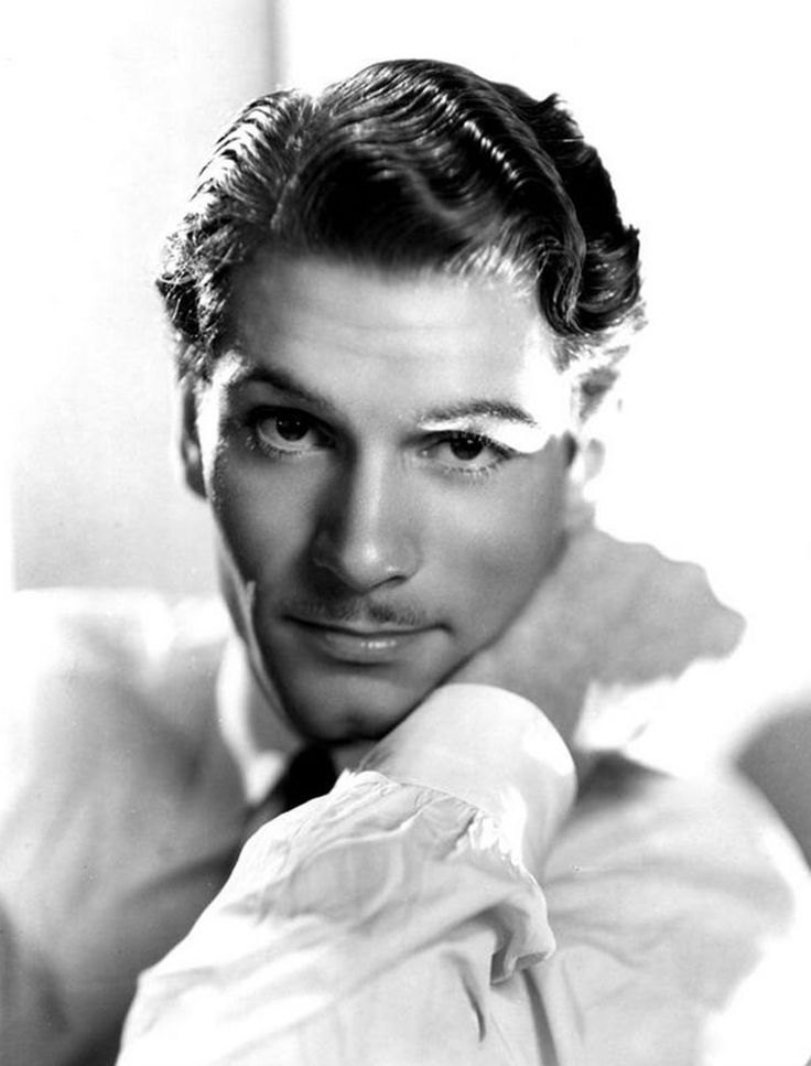 Laurence Olivier 1907-1989 (Age 82) Died from renal failure
