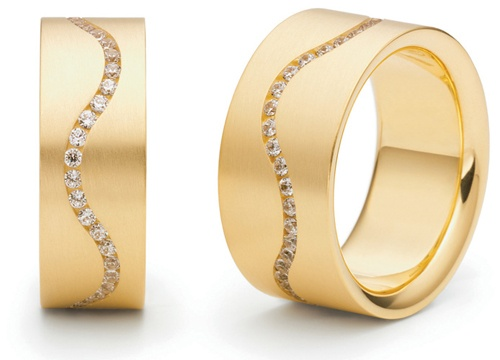 """""""Sinus"""" ring from Niessing 18k yellow gold and diamonds"""