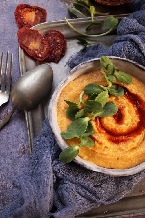 Aszaltparadicsom-olajos, csírás polenta recept