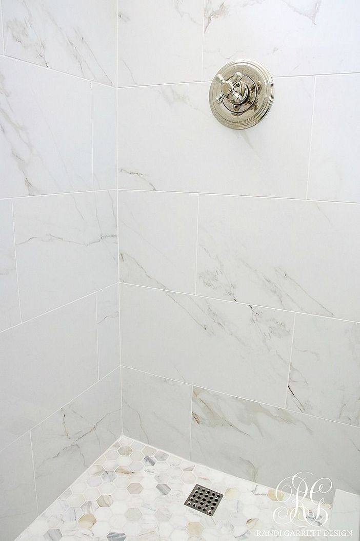 Laminate Flooring Is Really Simple To Install It Is Available In Various Colors And Styles It Is A Cost Effective Option For Individuals Marble Tile Bathroom Marble Bathroom Floor Marble Showers