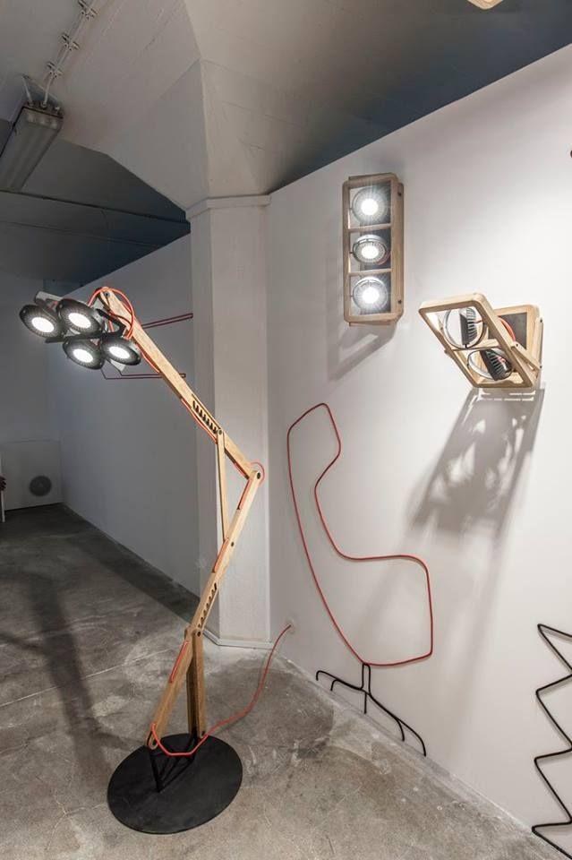 Aplique de pared y lámpara de pie con alto rendimiento lumínico