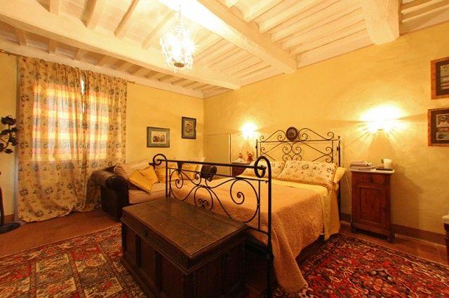 #Romantic #Italian #Bedroom - found this on Gate-Away.com