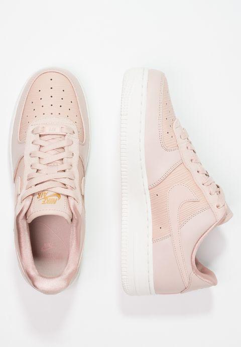 size 40 d88ab 8f3fa Köp Nike Sportswear AIR FORCE 1  07 LX - Sneakers - particle beige summit  white particle pink metallic gold för 1 095,00 kr (2018-02-03) fraktfritt  på ...