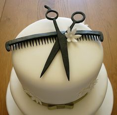 Hairdresser Cake Close Up