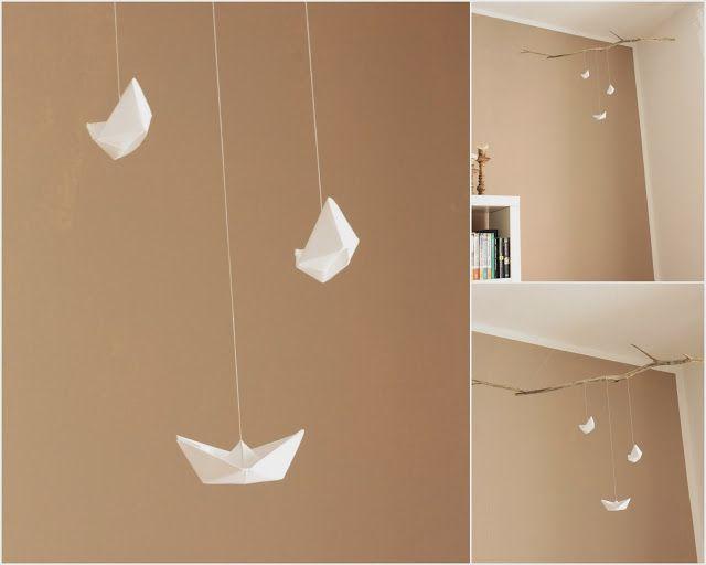 ... - DIY - weiß - braun paper - boat - mobilé - origami - flotsam