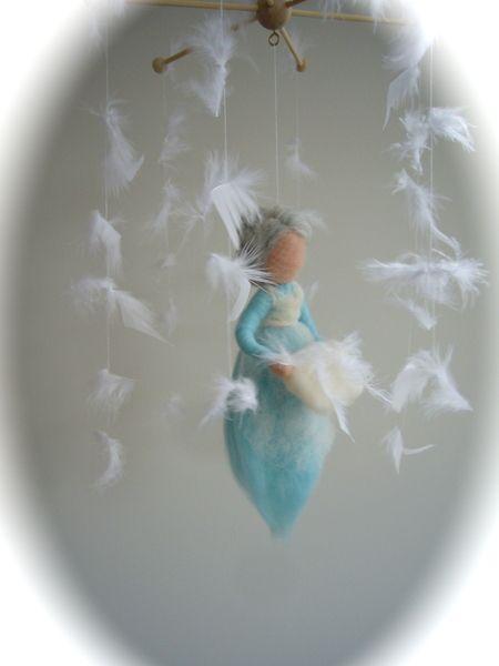 Mobile Frau Holle. Märchenwolle.Gefilzt.Waldorf von Filz-Art. auf DaWanda.com