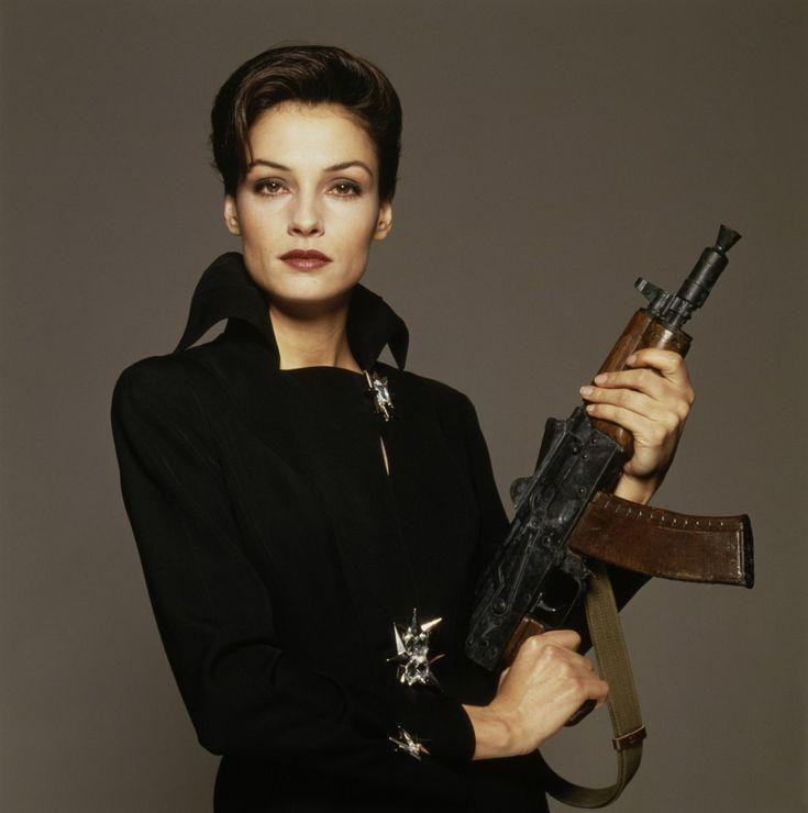 Xenia Onatopp (Famke Janssen) - Club James Bond France en